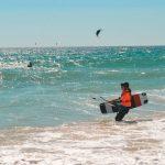 kitesurfing girls, kitesurfcamp in tarifa los lances beach